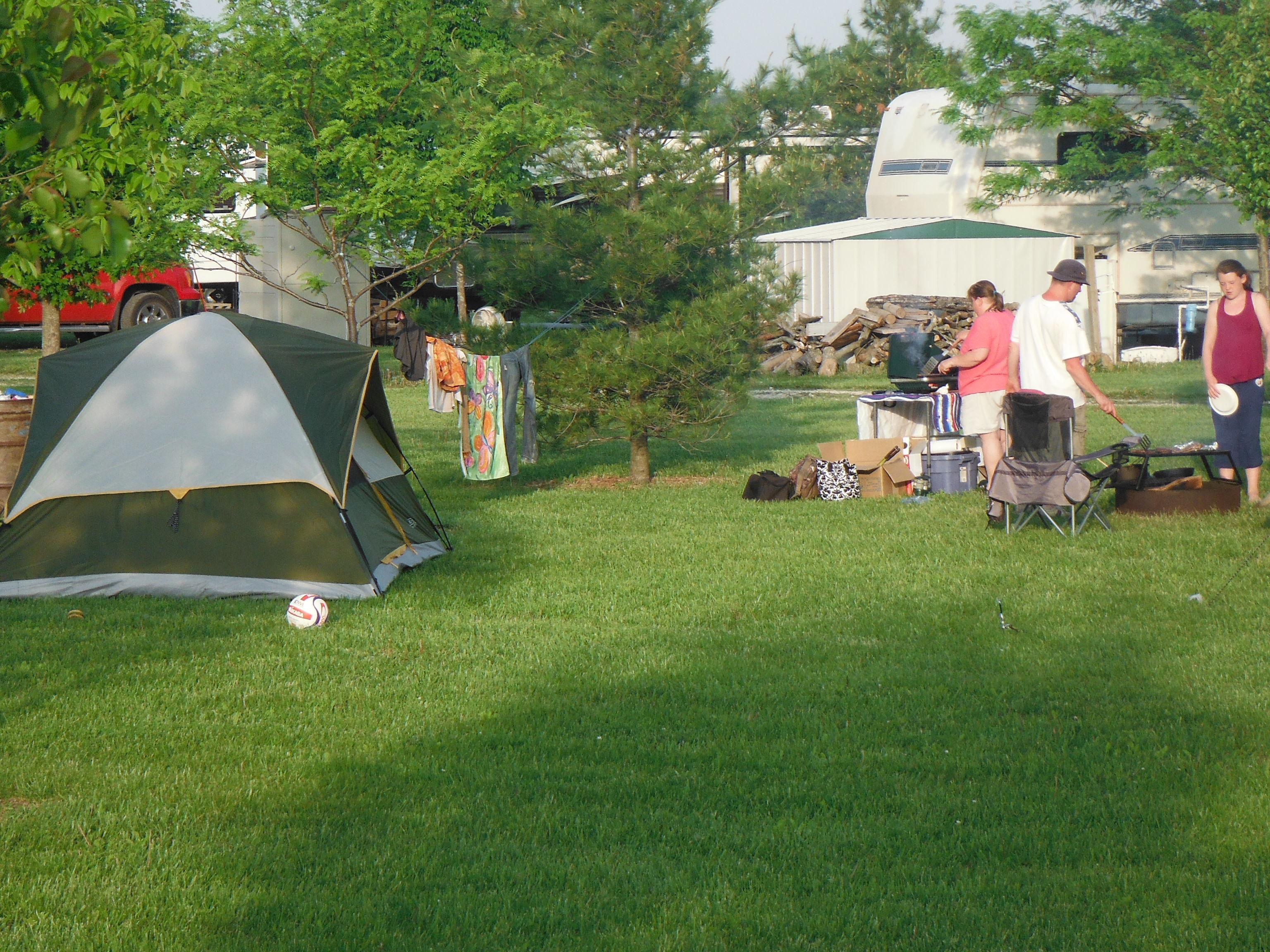 cabinfeveril.com - Tent area
